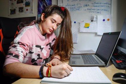 La plataforma tecnológica Educamadrid da problemas a 6 de cada 10 profesores, según una encuesta de CSIF