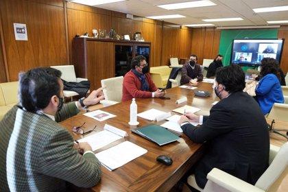 Reunión entre la Junta y los alcaldes la Sierra Morena de Sevilla por las ayudas autonómicas en materia de despoblación