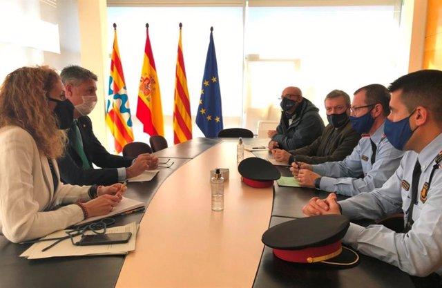 L'alcalde de Badalona Xavier García Albiol, la regidora de Seguretat Irene González, el cap dels Mossos a la ciutat Alfons Sarrias i els intendents de la Policia Local Conrado Fernández i Juan Antonio Pozo, el 13 de gener del 2020.
