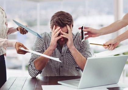 La adicción al trabajo provoca problemas de salud física y mental