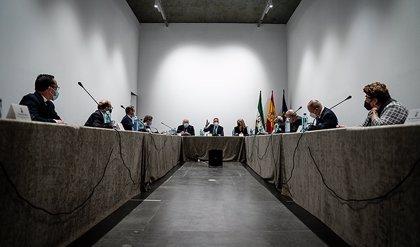 La Junta defiende el papel de las hermandades en la sociedad andaluza y reconoce su labor durante todo el año