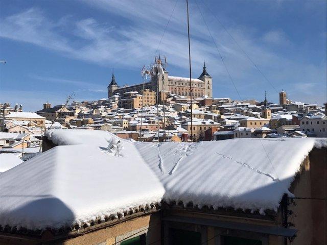 El Alcázar de Toledo nevado por el temporal 'Filomena'