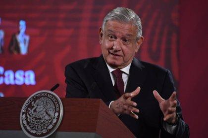 """México.- López Obrador no descarta la creación de una red social alternativa ante la """"censura"""" en Facebook y Twitter"""