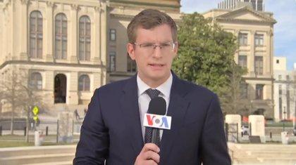 ¿Quién es Philip Crowther, el periodista que arrasa en redes sociales con sus intervenciones en seis idiomas?