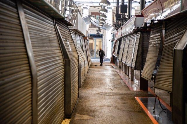 El Mercado de la Boquería de Barcelona, vacío durante los días de confinamiento