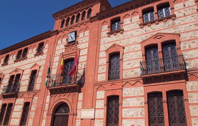Fachada del Ayuntamiento de Aracena (Huelva).