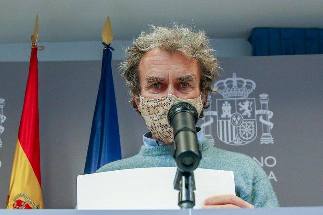 El director del Centro de Coordinación de Alertas y Emergencias Sanitarias (CCAES), Fernando Simón durante una rueda de prensa convocada ante los medios de comunicación en el Ministerio de Sanidad