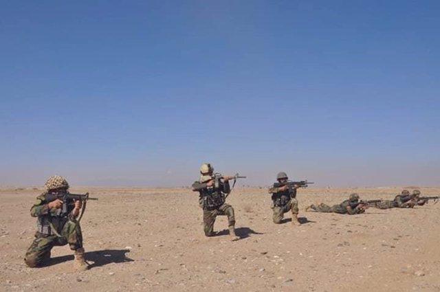 Militares del Ejército afgano
