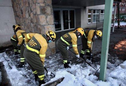 La BRIF de Tineo se desplaza a Madrid para apoyar las labores de limpieza de hielo y nieve