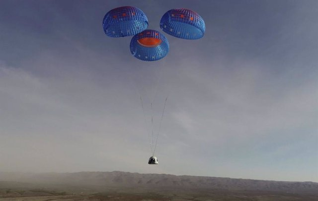 Aterrizaje de la Blue Shepard tripulable de Blue Origin el 14 de enero de 2021