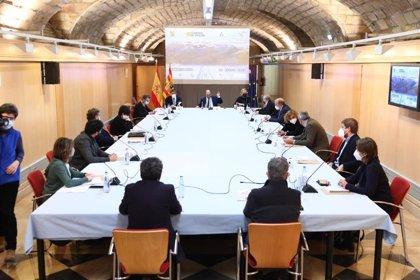 Aragón confina perimetralmente las tres capitales y seis localidades más