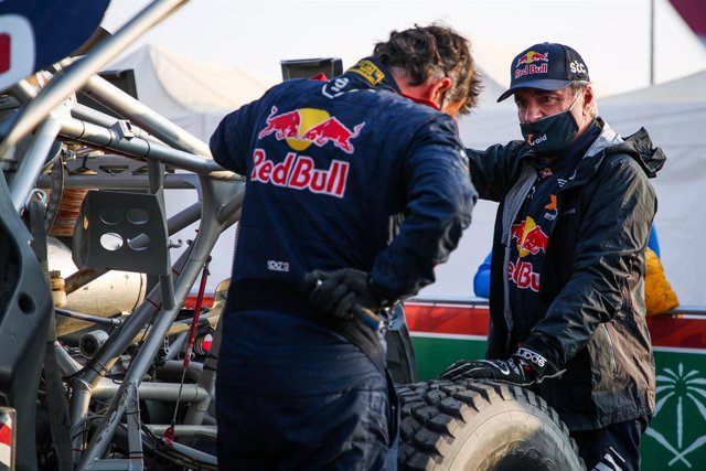 Carlos Sainz y Lucas Cruz en el Dakar
