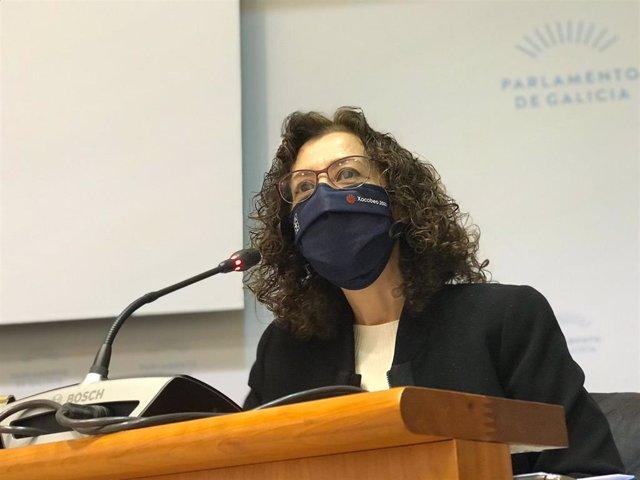La directora xeral de Saúde Pública, Carmen Parrondo, en la Comisión de la Sanidade