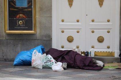 """ONG denuncian """"falta de previsión y colaboración"""" para atender a las personas sin hogar en Madrid durante la ola de frío"""