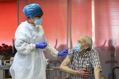 La vacunación en las residencias alcanza el 50% y se espera superar el 90% a finales de la semana próxima