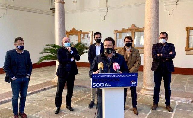José Ramón Carmona, coordinador general del PP en la provincia de Málaga, en rueda de prensa