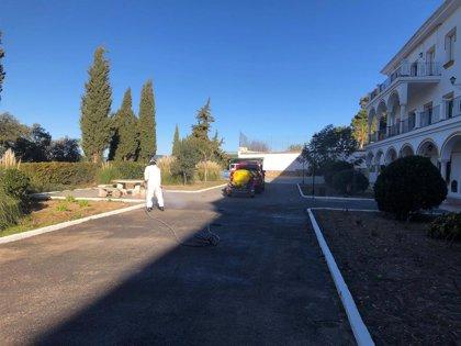 El CPB inicia la desinfección de la residencia de ancianos de Las Hermanitas de los Pobres en Ronda (Málaga)