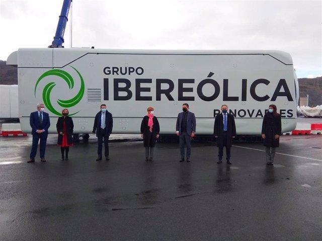 Acto que ha tenido lugar hoy de la salida del puerto de Bilbao de nacelles de aerogeneradores del primer parque eólico de Repsol e Ibereólica en Chile.