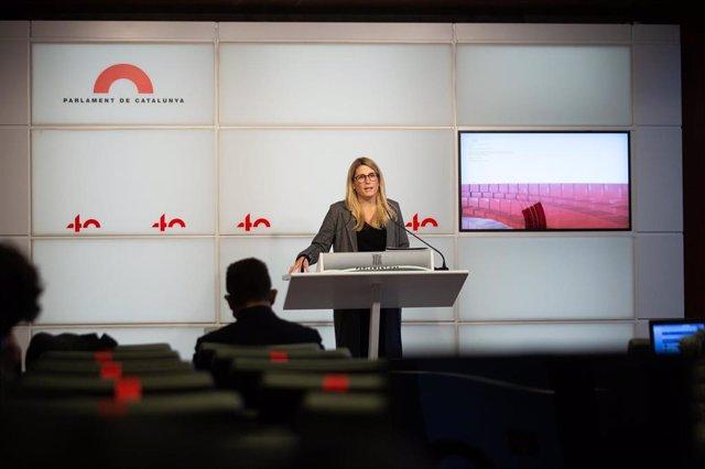 La vicepresidenta de JxCat, Elsa Artadi, en rueda de prensa tras la mesa de partidos en la que se ha acordado posponer las elecciones del 14F.