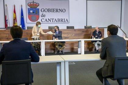 Industria firma acuerdos con seis bancos para anticipar las ayudas de Sodercan a empresas