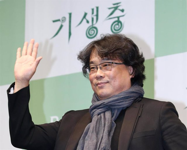 """19 February 2020, South Korea, Seoul: South Korean director Bong Joon-ho speaks during a press conference for the movie """"Parasite"""". Parasite is the first foreign-language movie to win an Academy Award for Best Picture. Photo: -/YNA/dpa"""