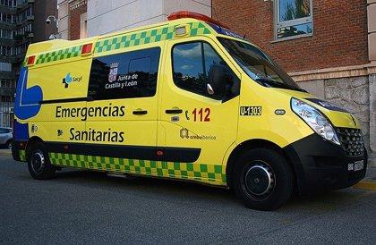 Herida una conductora de 48 años tras salirse de la vía y volcar en Villalazán (Zamora)