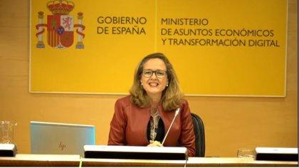 """Calviño dice que el apoyo público para sufragar los ERTE """"no puede servir para despedir más adelante"""""""