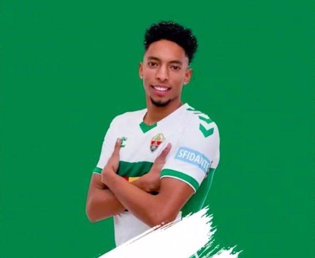 El internacional colombiano Johan Mojica jugará cedido en el Elche hasta el 30 de junio de 2021.
