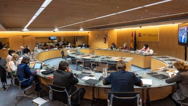 """Bruselas.- Sindicatos piden conocer cuáles son compromisos con Bruselas y no dejar """"sin oxígeno"""" al diálogo social"""