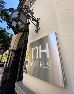 Entrada al hotel NH Alonso Martínez en Madrid (España)