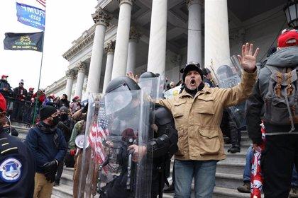 """Los asaltantes del Capitolio pretendían """"capturar y asesinar"""" a los legisladores, según los fiscales de EEUU"""