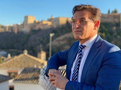 """El alcalde de Granada pide a la población """"un esfuerzo más"""" para cumplir medidas """"duras pero necesarias"""""""