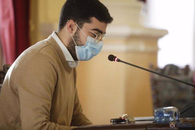 El consejero de Salud Pública de Melilla, Mohamed Mohand, en el Pleno de Control de la Asamblea