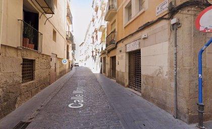 Detenido un joven en Alicante por romper la puerta de una vivienda para entrar a robar