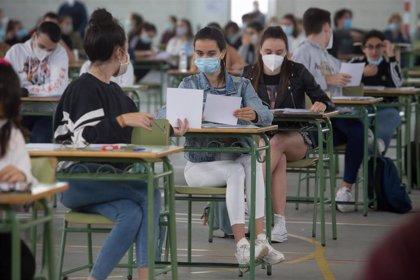 Otros 150 positivos elevan a casi 1.700 los casos en las aulas gallegas, que cuentan ya con 3 centros cerrados