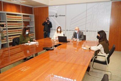 Armengol asegura que Ibiza recibirá unos 7,5 millones en ayudas para empresas afectadas por restricciones