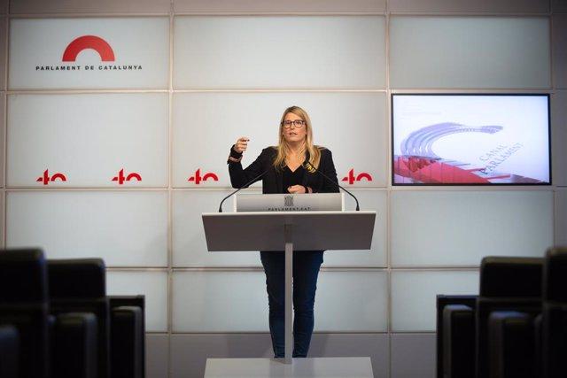 La vicepresident de JxCat i diputada en el Parlament, Elsa Artadi, ofereix una roda de premsa després d'una reunió de la taula de partits catalans sobre les eleccions al Parlament calatán, a Barcelona, Catalunya (Espanya), a 4 de desembre de 2020.