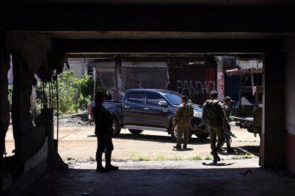 Al menos siete militares muertos al estrellarse un helicóptero en el sur de Filipinas