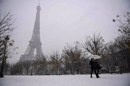 Una fuerte nevada deja sin suministro eléctrico a más de cinco mil hogares del noreste de Francia