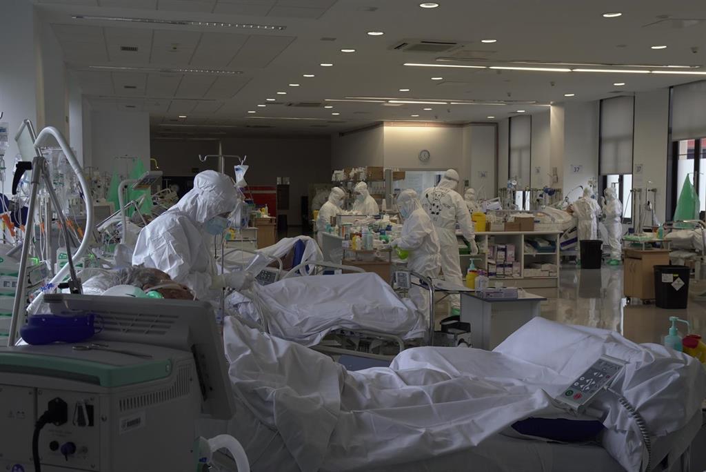 Aumenta la ocupación UCI en Cantabria y roza el 23% pero bajan los hospitalizados
