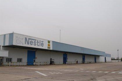 La fábrica de Solís recibe una certificación de uso responsable del agua