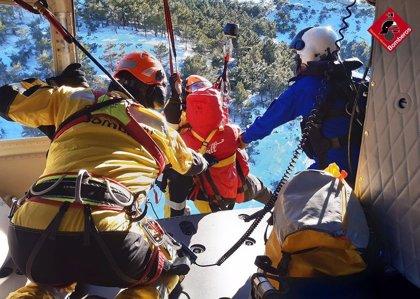 Rescatada una senderista con un posible esguince en Agres (Alicante)