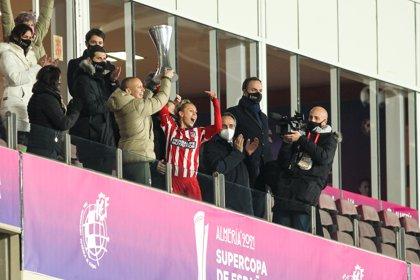 El Atlético Femenino conquista una Supercopa con dedicatoria especial