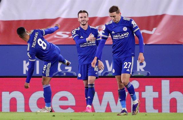 James Maddison celebra el primer gol del Leicester ante el Southampton