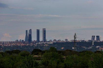 Madrid activa el protocolo anticontaminación y limita a 70 km la velocidad en M30 y accesos