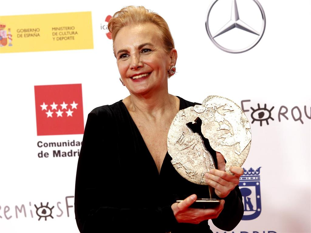 Elena Irureta, merecido premio Forqué a Mejor Interpretación Femenina por su papel en  Patria