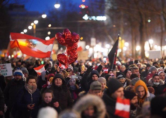 Protestas contra las restricciones al coronavirus en Viena