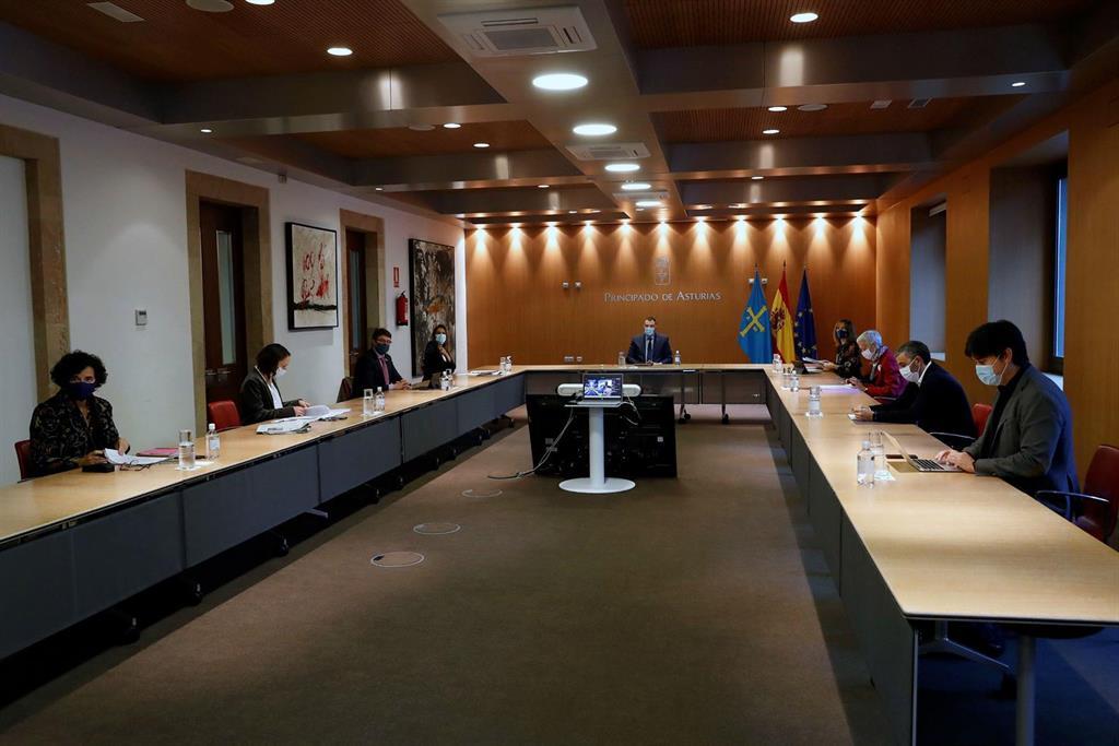 El BOPA publica este lunes la resolución con las nuevas restricciones para concejos con alta transmisión