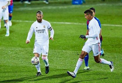 Sergio Ramos y Varane no trabajan con el grupo en la vuelta a los entrenamientos del Real Madrid