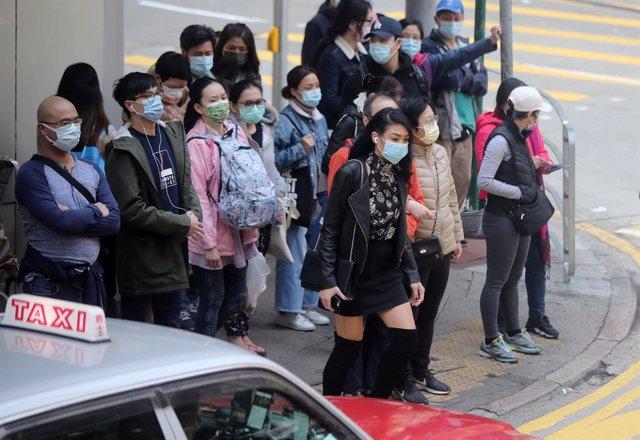 Las autoridades de Hong Konh gan confirmado 55 nuevos casos a la espera de confirmar otros posibles 80 positivos.